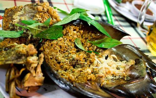 Bạn đã thử sam biển nướng - đặc sản nổi tiếng cát bà