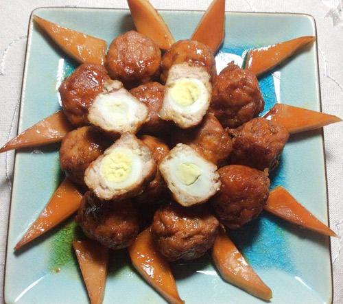Đậm đà vị ngọt của món thịt mọc bọc trứng cút kho nước dừa