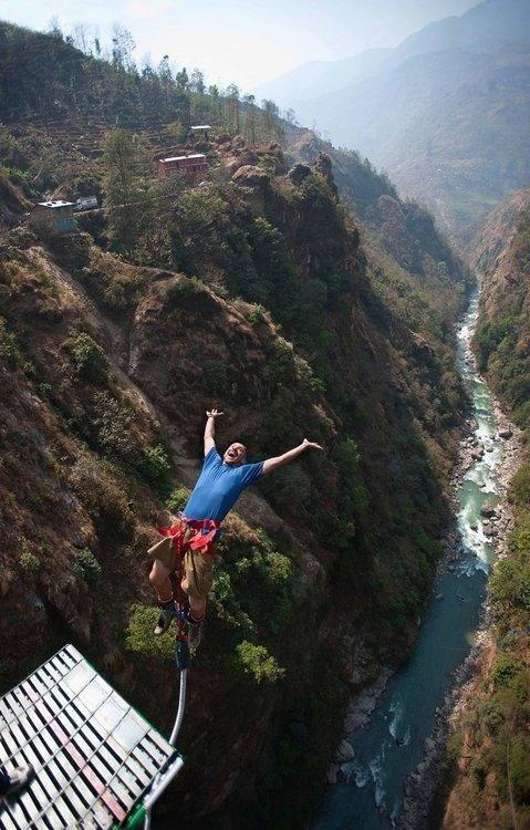 Địa điểm nhảy bungee chóng mặt nhất thế giới
