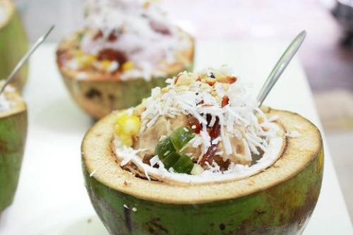 Lạ miệng với món kem tuyết sữa chua dừa lạ vị ở hà nội