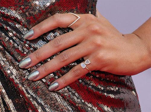 Muôn vàn mẫu nail rực rỡ cho tiệc cuối năm